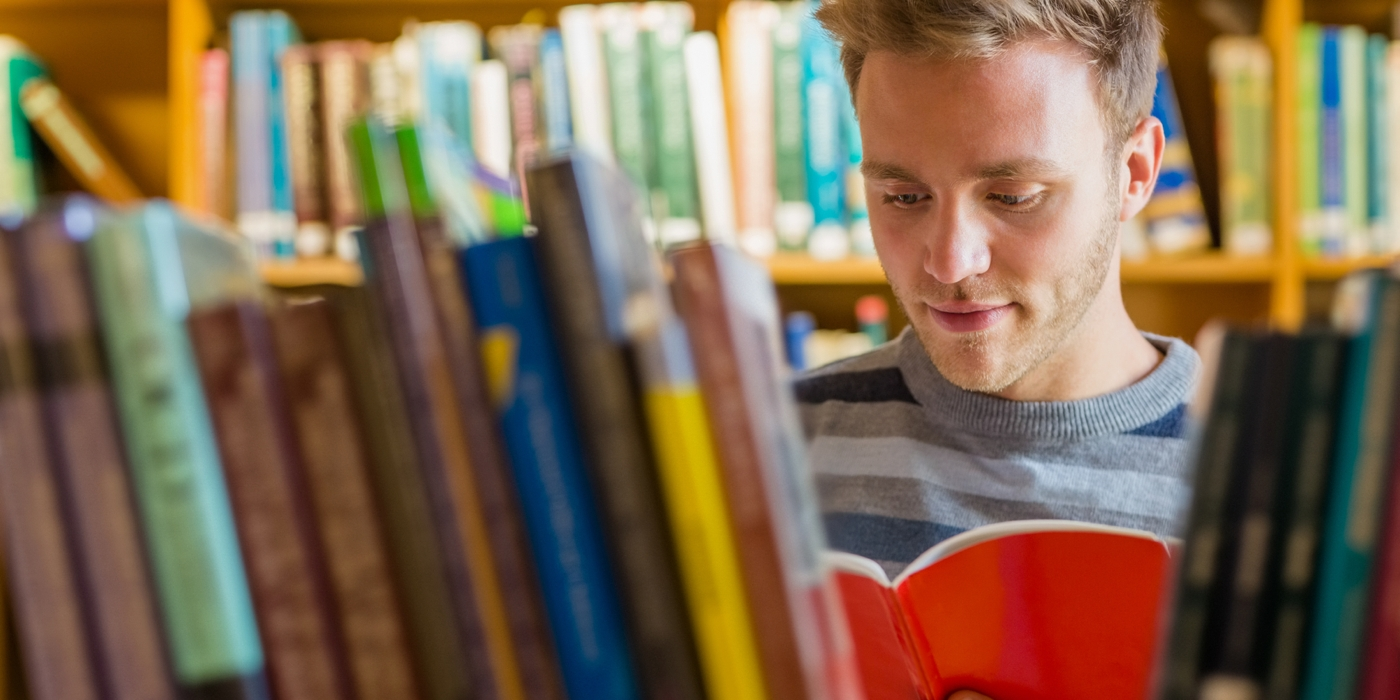 monologue reading and students A student who is a good reader is more likely to do well in school and pass exams than a student who is a weak reader good reader can understand the individual sentences and organizational structure of a piece of writing.
